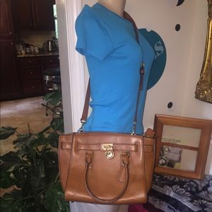 Authentic Michael Kors Hamilton Leather Purse